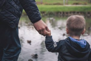 Οι μπαμπάδες είναι επίσης σε κίνδυνο για επιλόχεια κατάθλιψη