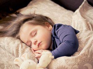 Απαραίτητος ο επαρκής ύπνος για την αποφυγή της παιδικής παχυσαρκίας