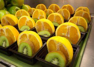 Η ελκυστική τοποθέτηση των φρούτων και των λαχανικών μπορεί να επηρεάσει τη διατροφή των παιδιών