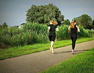 Αύξηση του σωματικού βάρους κατά την εμμηνόπαυση: μειώστε την εξάπλωση στη μέση ηλικία