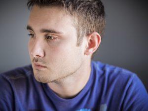 Η κατάχρηση αλκοόλ στους νέους μπορεί να έχει μακροχρόνιες επιπτώσεις στον εγκέφαλό τους