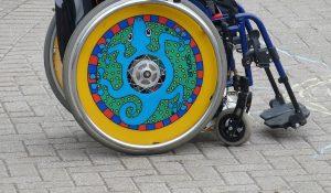 Ο αυτοπροσδιορισμός και η υπερηφάνεια στα άτομα με αναπηρία προσφέρει στην ευημερία