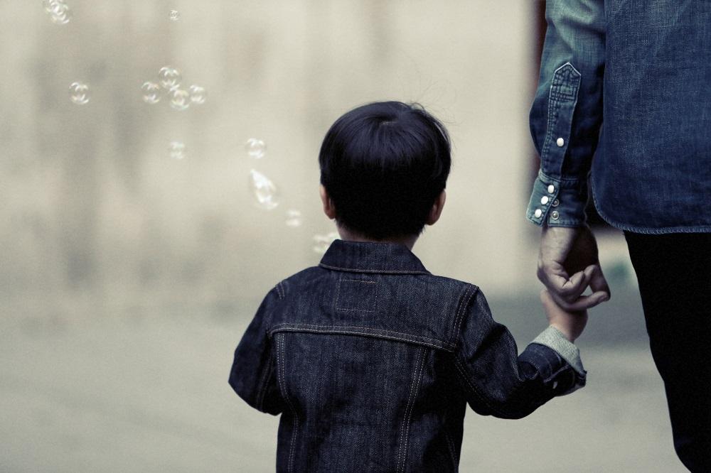 Έρευνα για την προαγωγή της γονεϊκής υγείας από τους παιδιάτρους