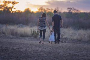 Οι σύγχρονοι οικογενειακοί ρόλοι βελτιώνουν το αίσθημα ικανοποίησης από τη ζωή για τους γονείς
