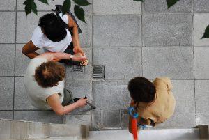 Η συνεργασία μπορεί να είναι μεταδοτική ιδιαίτερα όταν οι άνθρωποι βλέπουν το όφελος προς τους άλλους