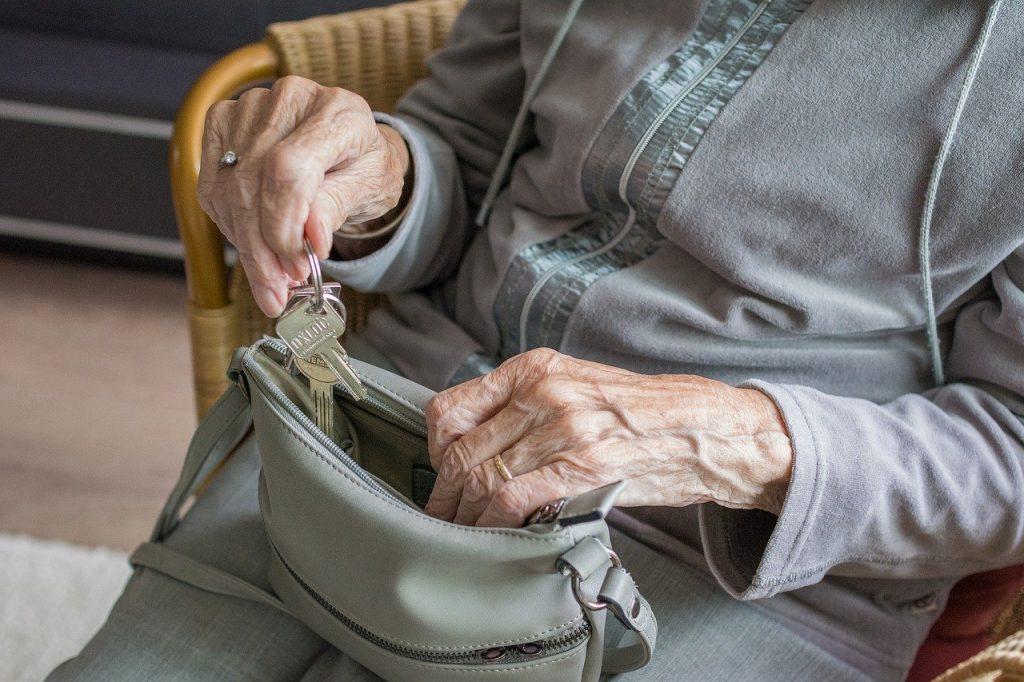 Παγκόσμια Ημέρα Ευαισθητοποίησης για την κακοποίηση των Ηλικιωμένων 2020: Ο αντίκτυπος του COVID-19 στη βία, την κακοποίηση και την παραμέληση των ηλικιωμένων