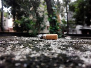 Η ΧΑΠ και το κάπνισμα σχετίζονται με υψηλότερη θνησιμότητα από τον ιό COVID-19