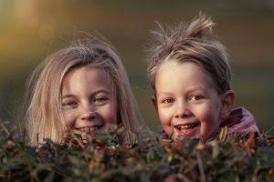 Μελέτη της UNICEF διερευνά τι διαμορφώνει την παιδική ευημερία στις πλούσιες χώρες